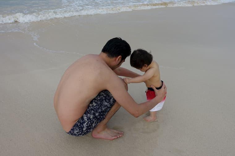 カイルアビーチで少し砂遊びしました