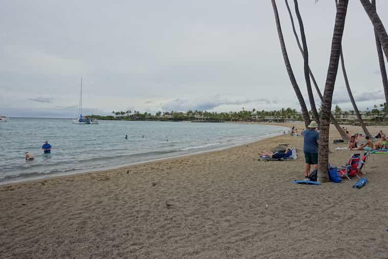 アナエホマルビーチはとても綺麗に整備されている